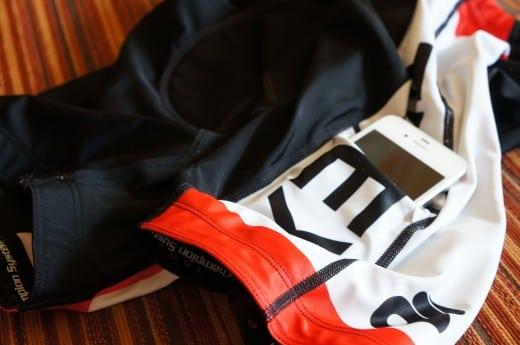 Як краще носити телефон під час бігу?