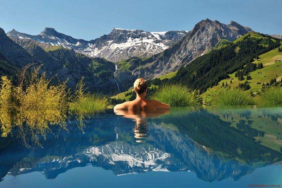 30 найнеймовірніших місць для плавання