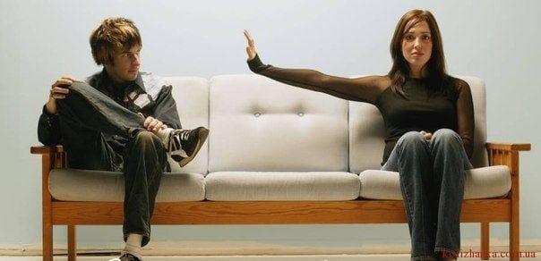 7 помилок, якими жінки руйнують стосунки