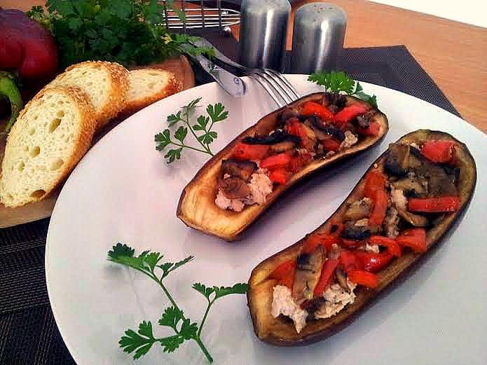 Баклажани, фаршировані м'ясом та овочами, рецепт