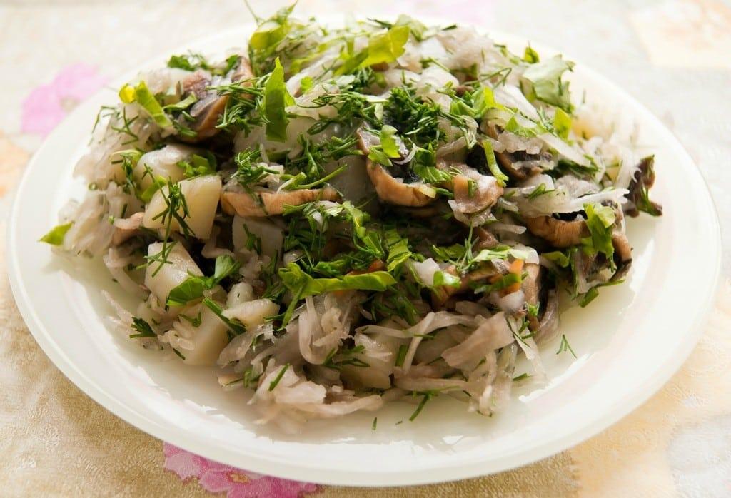 Салат з квашеної капусти. ТОП - 9 рецептів