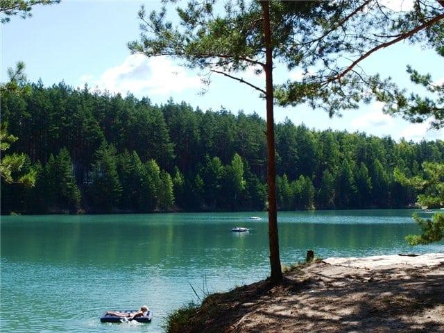 Блакитні озера в селі Олешня Чернігівської області