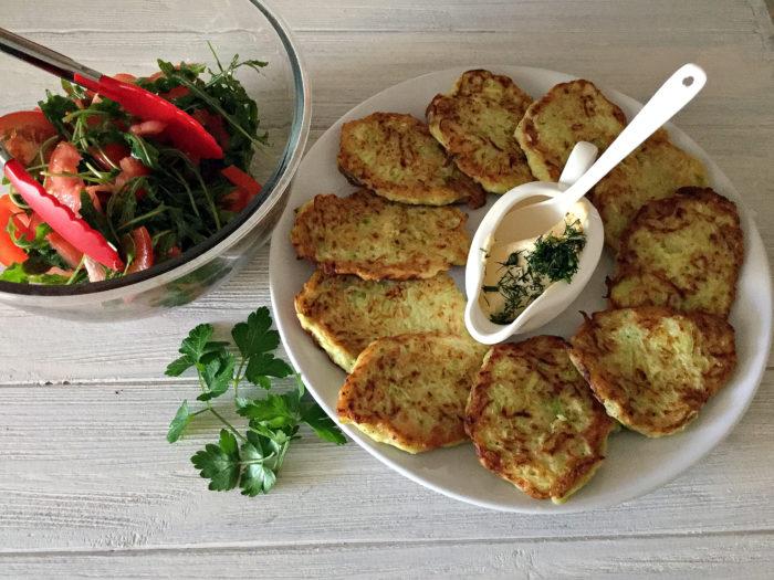 Деруни (оладки) із кабачків. Покроковий рецепт приготування