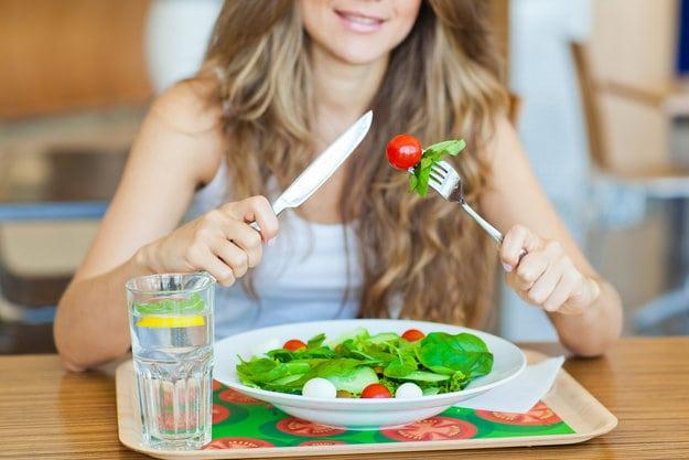 Десять корисних звичок струнких жінок