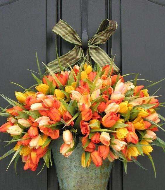 Весняна флористика. Фото-ідеї декору з тюльпанами (16)