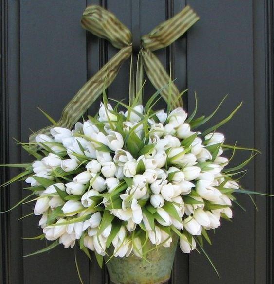 Весняна флористика. Фото-ідеї декору з тюльпанами (17)