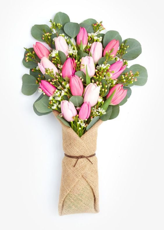 Весняна флористика. Фото-ідеї декору з тюльпанами (7)