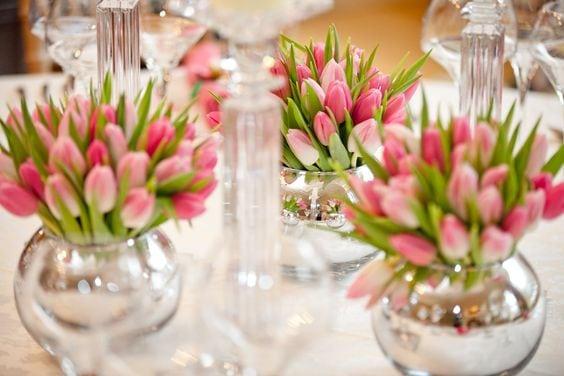 Весняна флористика. Фото-ідеї декору з тюльпанами (8)