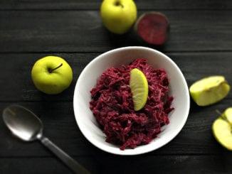 Салат з буряка та яблука під часниковим соусом. Рецепт