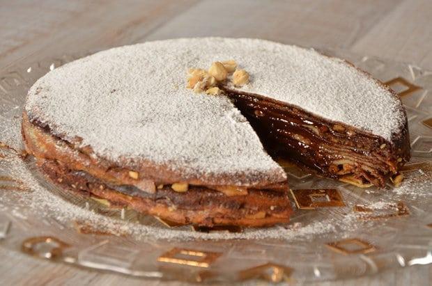 млинцевий пиріг з шоколадом і фундуком