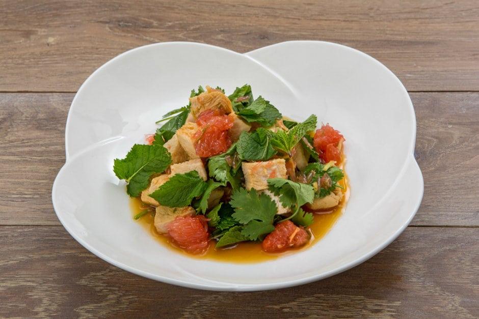 Тайський салат з куркою за 15 хвилин