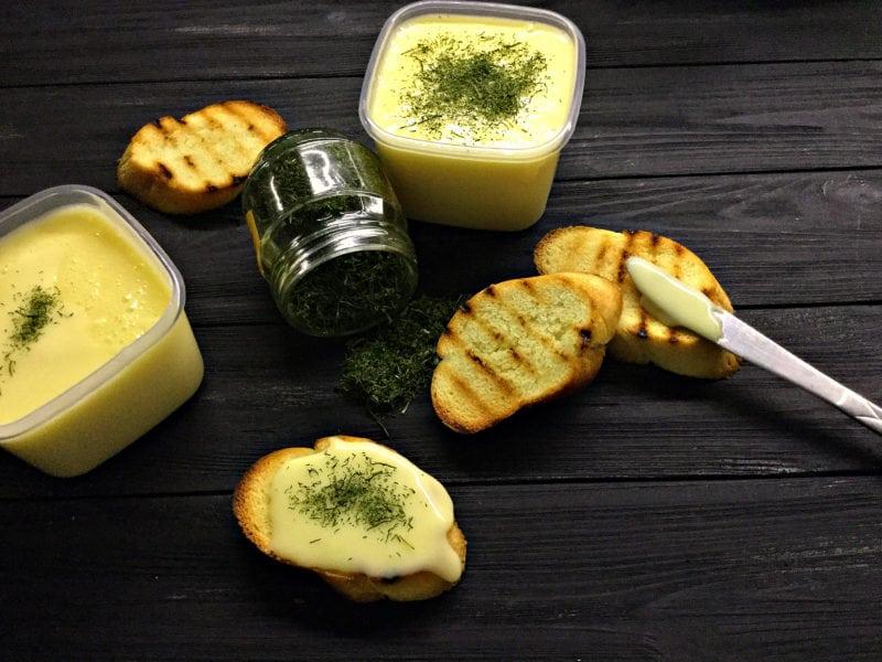 Плавлений сирок: рецепт приготування в домашніх умовах