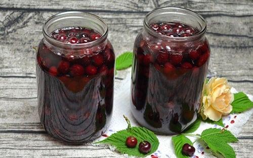 Вишня у власному соку на зиму