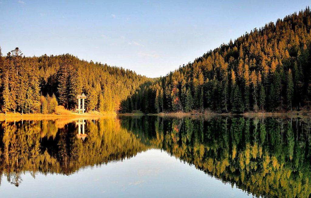 Де відпочити восени в Україні: найкрасивіші місця