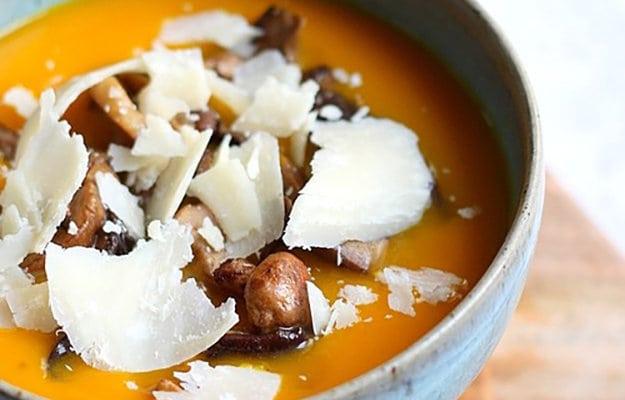 Суп з гарбузом і білими грибами