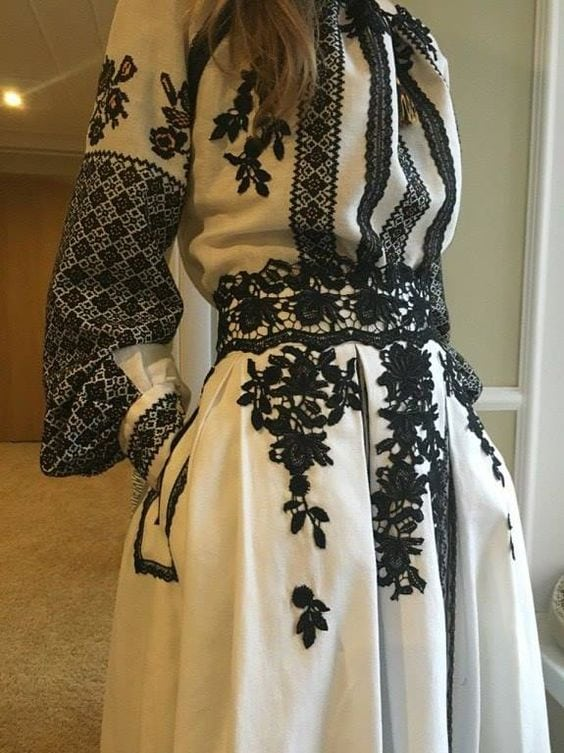 Сучасні вишиті сукні (30 фото) (23)