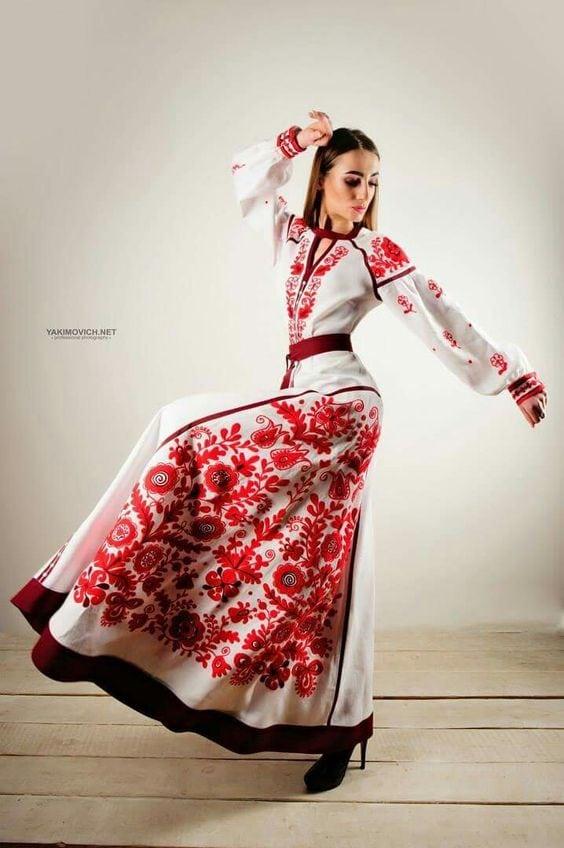 Сучасні вишиті сукні (30 фото) (26)