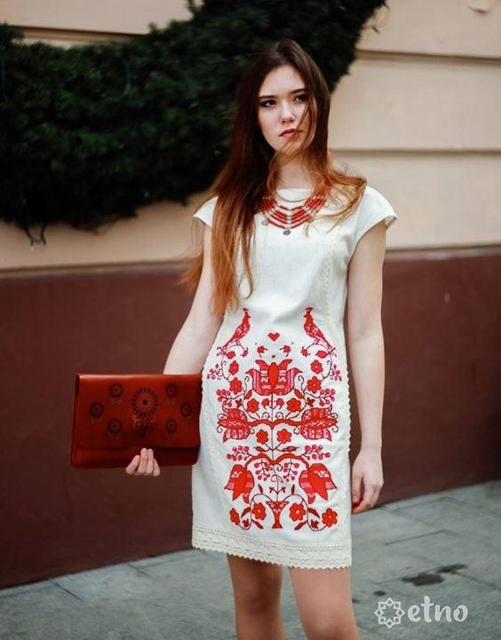 Сучасні вишиті сукні (30 фото) (7)