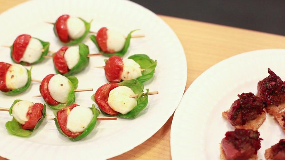 Простые закуски 25 интересных канапе на шпажках (фото) (21)