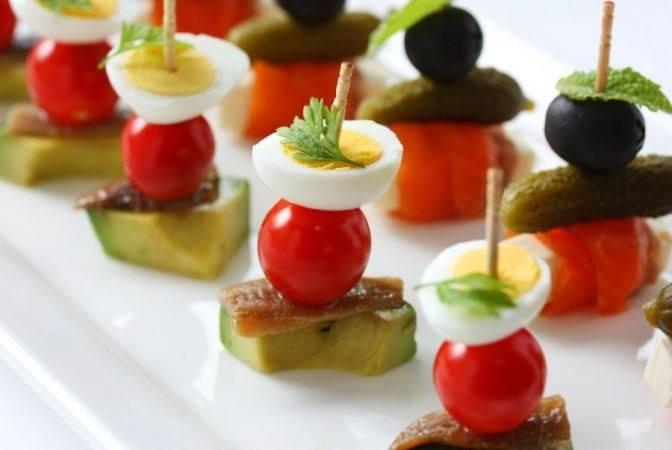 Простые закуски 25 интересных канапе на шпажках (фото) (4)