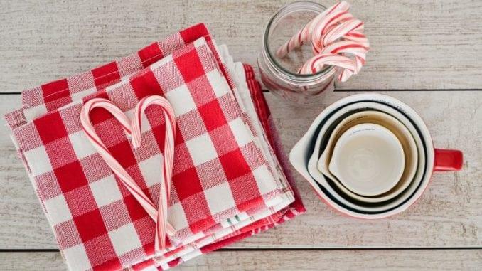 Солодкий символ Різдва: коротка легенда біло-червоних цукерок