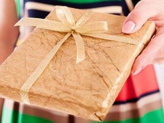 Подарунки близьким: як, кому та що обирати