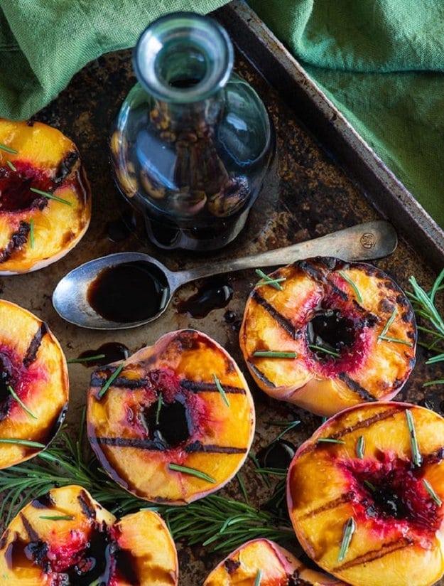 Не тільки шашлики: 8 класних страв на мангалі (рецепти)
