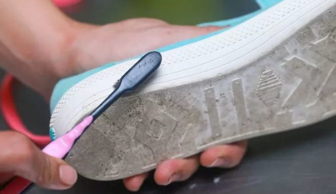 Як відбілити підошву кросівок в домашніх умовах