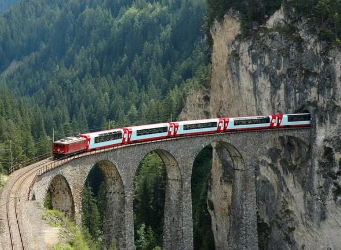 Потягом за кордон: 12 маршрутів з України