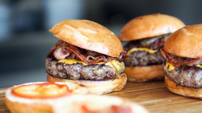 Соковитий тиждень: 7 рецептів і 7 секретів ідеальних бургерів